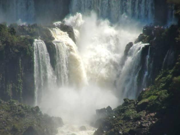 Zoom des chutes d'iguazu
