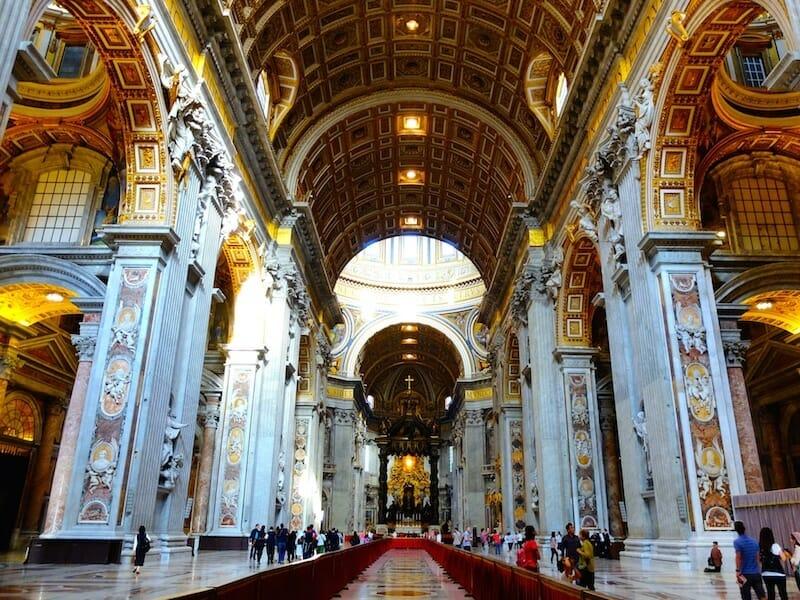 neuf interieure basilique st pierre de rome vatican
