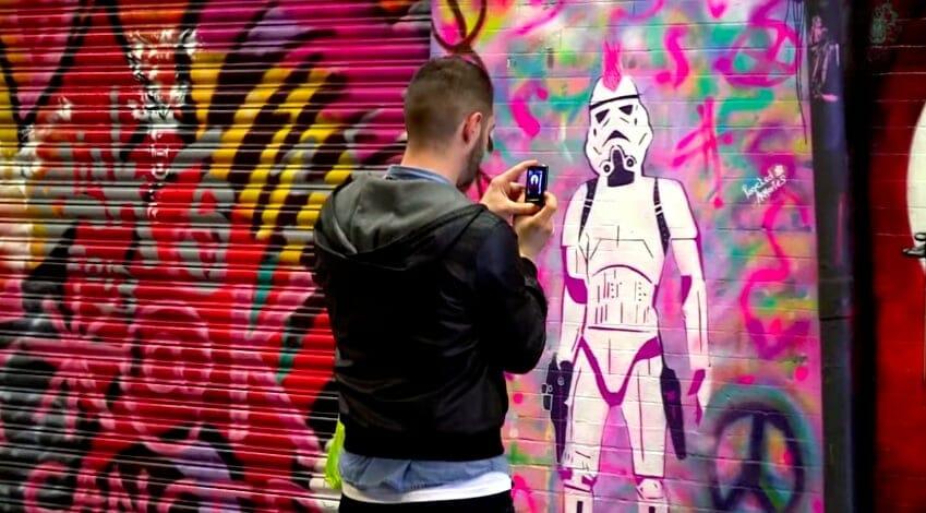 graffiti dans le tunnel londres