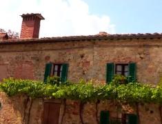 maison ancienne village Monteriggioni