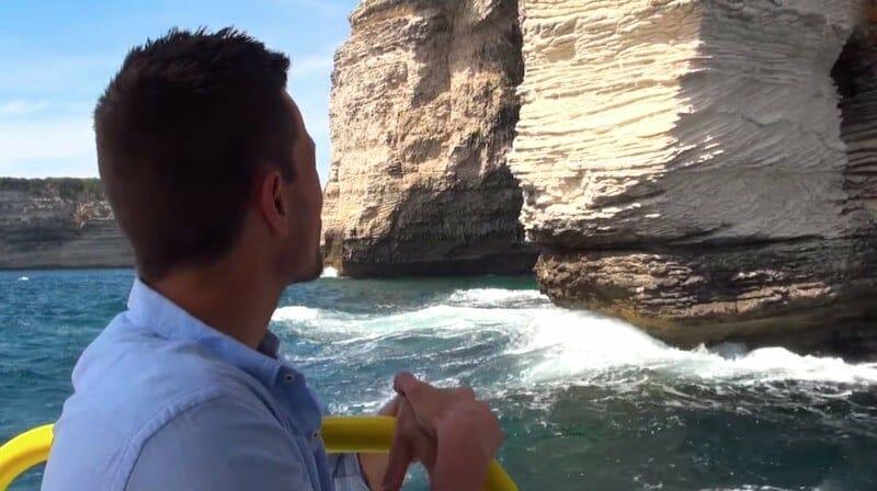 balade en bateau pied des falaises bonifacio