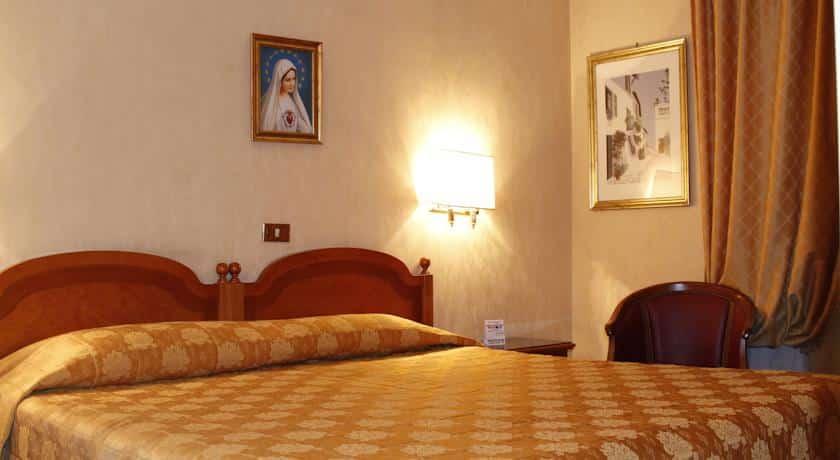 hotel rome pace helvezia