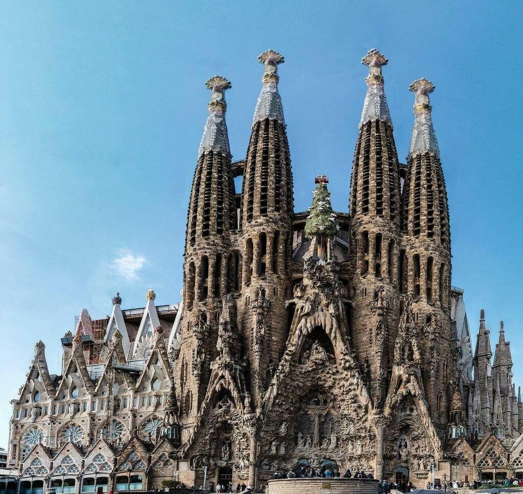 visiter barcelone et la cathedrale sagrada familia barcelone