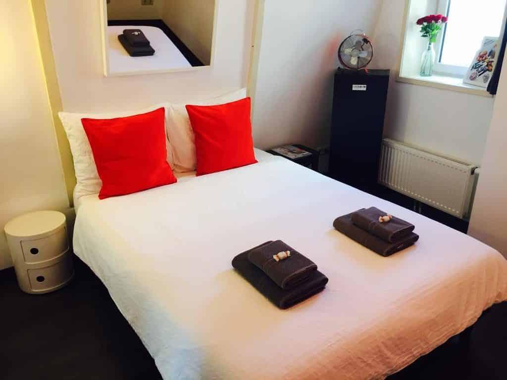hotel amsterdam manikomio